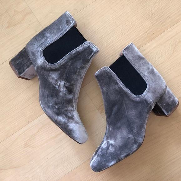 Madewell Shoes - NEW Madewell Walker Chelsea Boot booties velvet